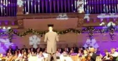 NBA – Tacko Fall devient chef d'orchestre et ravi la foule