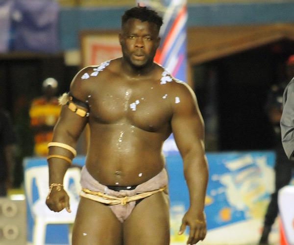 (video) Mystique à Mbao : Eumeu Sène apparaît blanc.