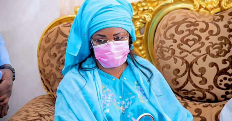 Gamou : Léona Niassène retourne les biscuits de la Première dame